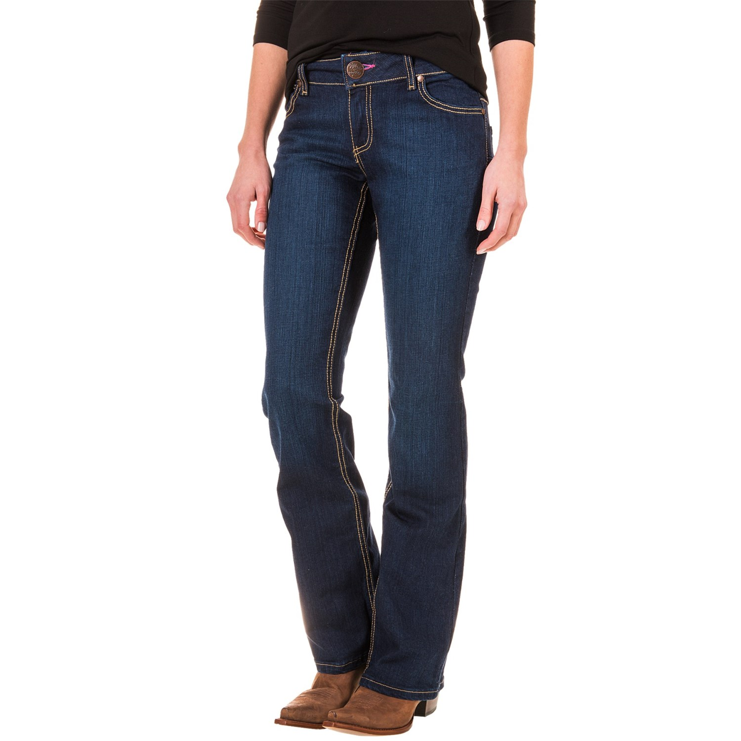 Because we know brand is often just as important as the style, we carry women's jeans from popular and premium denim labels, including 7 For All Mankind, AG Adriano Goldschmied, Joe's Jeans, Levi's, NYDJ, PAIGE, and more.