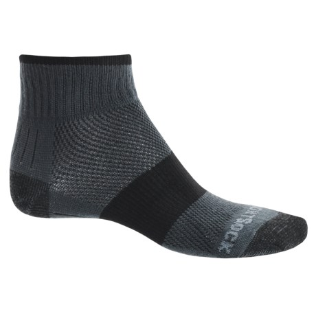 Wrightsock Escape Hiking Socks - Quarter Crew (For Men and Women) in Ash