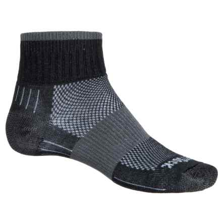 Wrightsock Escape Hiking Socks - Quarter Crew (For Men and Women) in Black - Closeouts