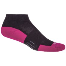 Wrightsock Fuel Low Running Socks - Ankle (For Women) in Black/Fuschia - Closeouts