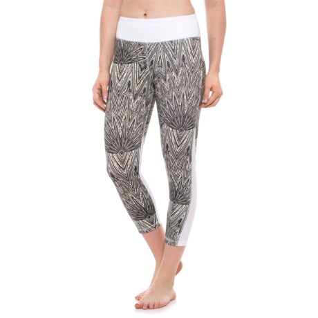 X by Gottex Color-Block Capris (For Women) in Goemetric Print