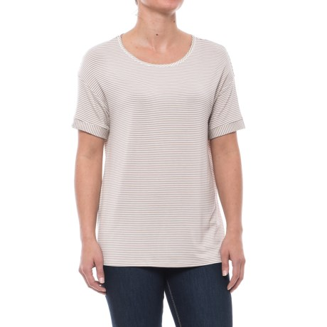 Yala Bella Shirt - Relaxed Fit, Short Sleeve (For Women) in Sand Micro