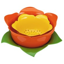 Zak Designs Garden Series Rose Colander Bowl - Nested Set of 3 in Rose - Closeouts