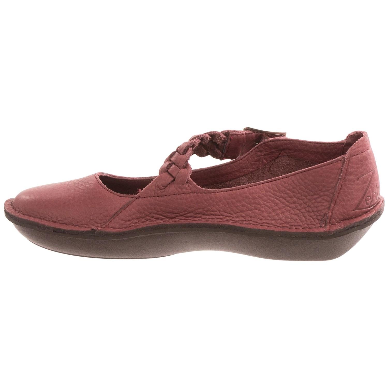 9148Y_5 Zen Komfort by Klogs Temple Shoes - Leather, Slip-Ons (For Women