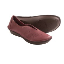Zen Komfort by Klogs Wasabi Shoes - Leather, Slip-Ons (For Women) in Merlot - Closeouts